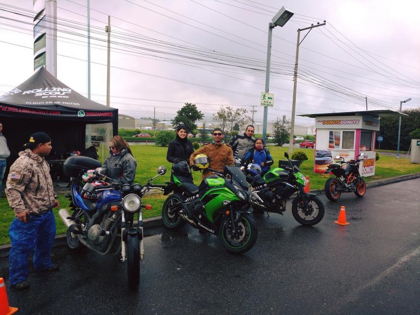 ¿Dónde es mejor alquilar una moto en Colombia?