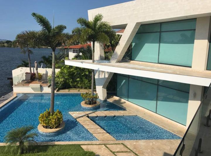 Villas con piscina privada en Colombia