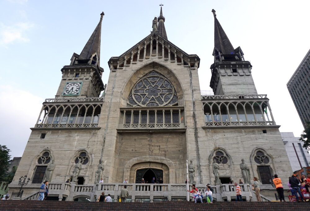 Corredor Polaco Catedral Basílica De Manizales