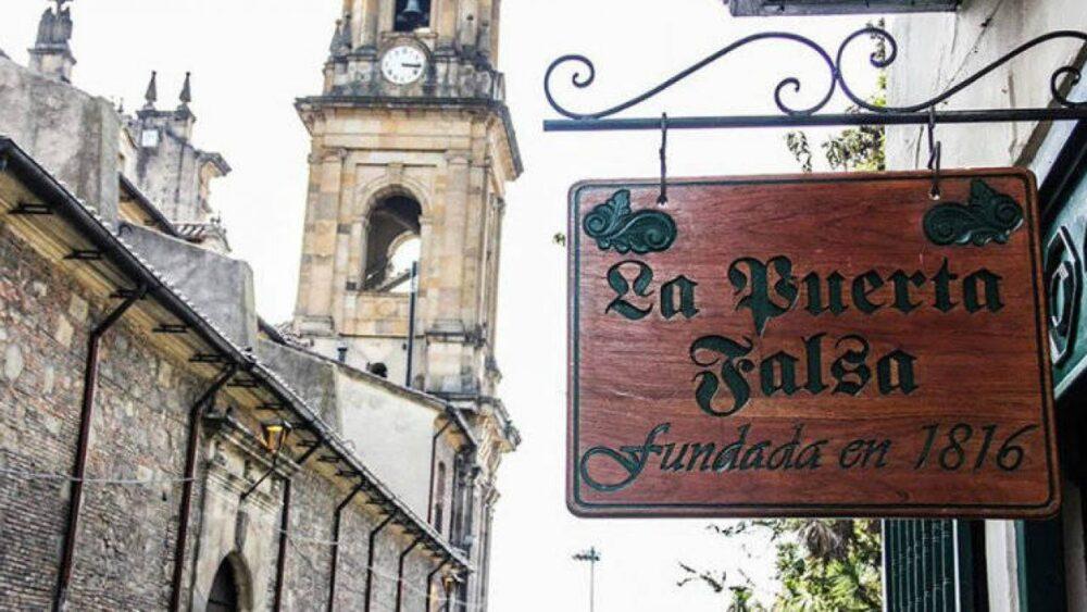 """""""La Puerta Falsa"""
